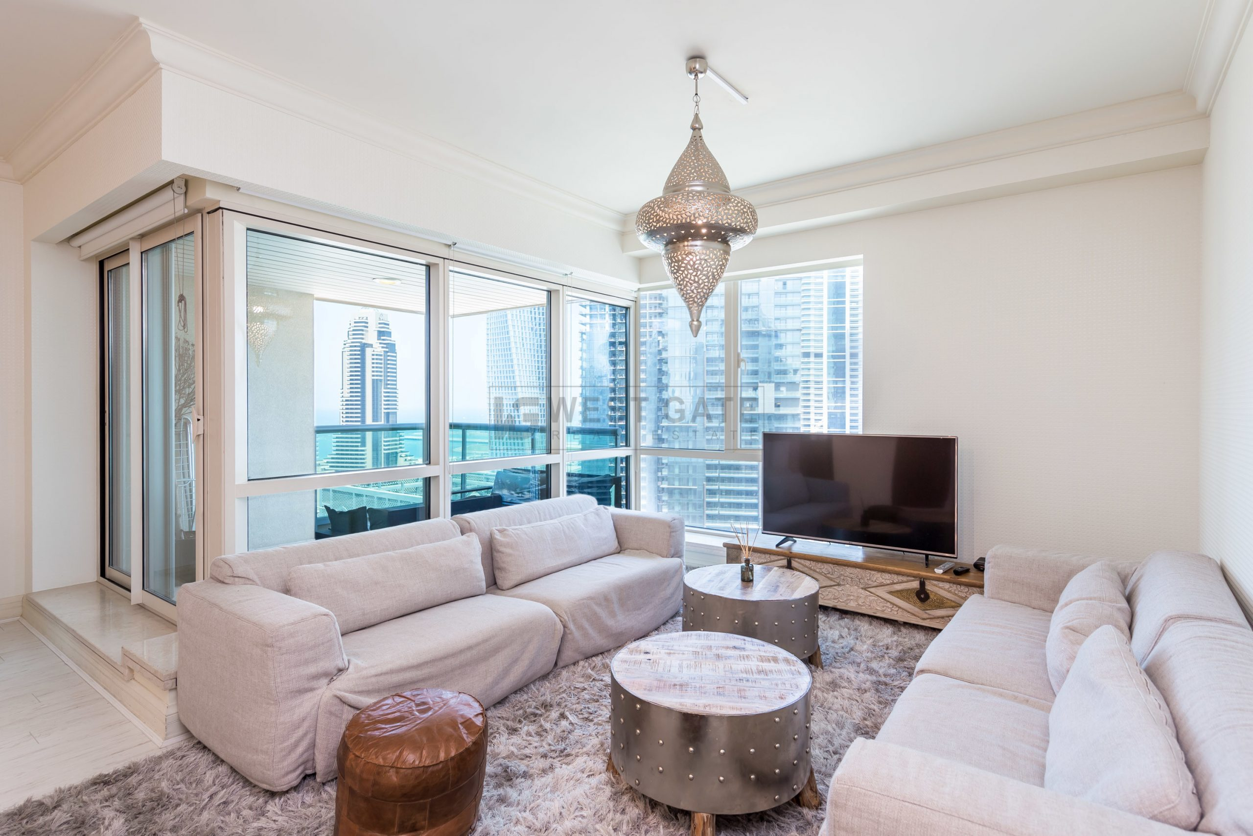 Apartment in Emaar 6 Towers For Sale