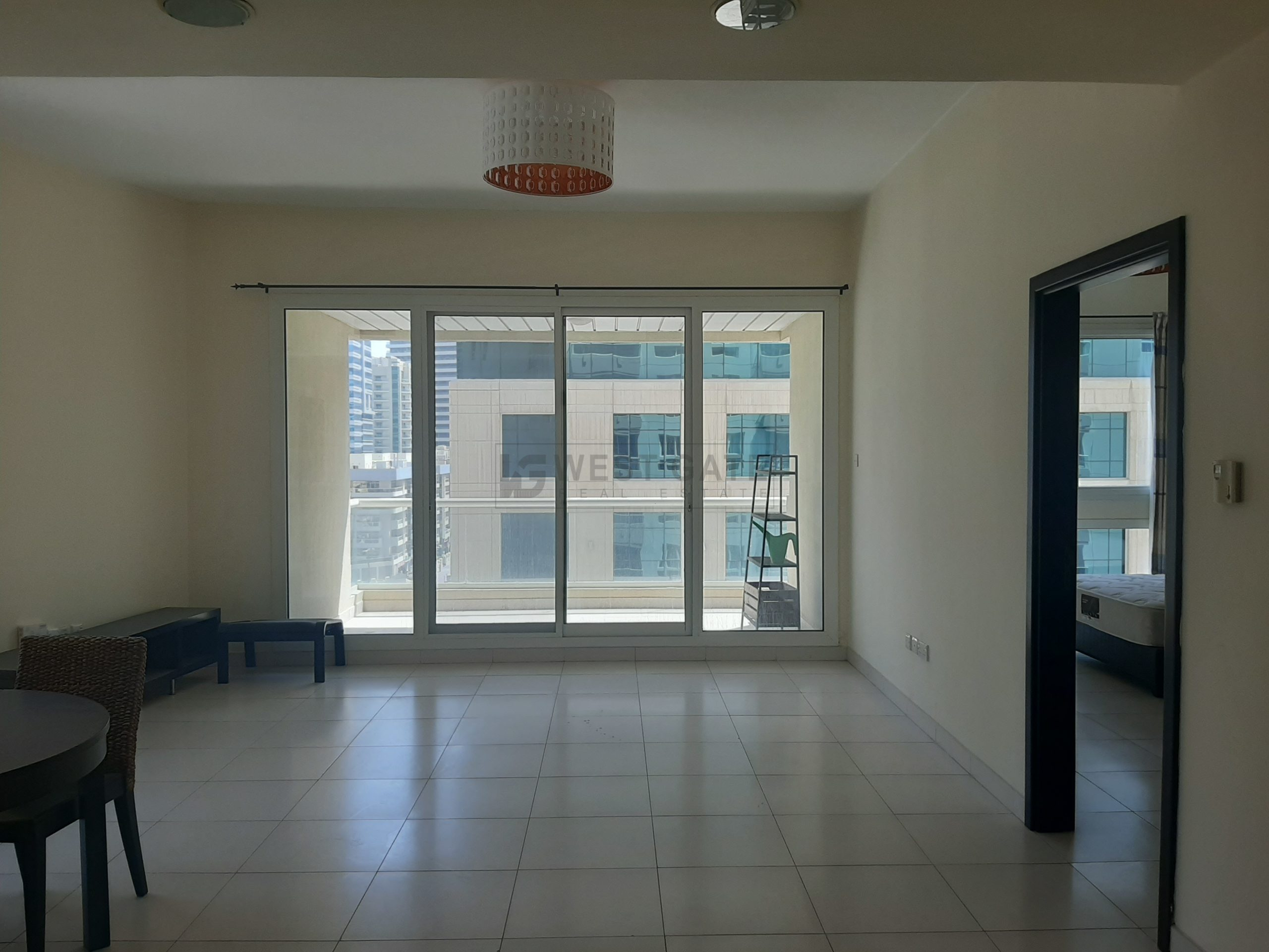 Apartment in Marina Sail For Rent