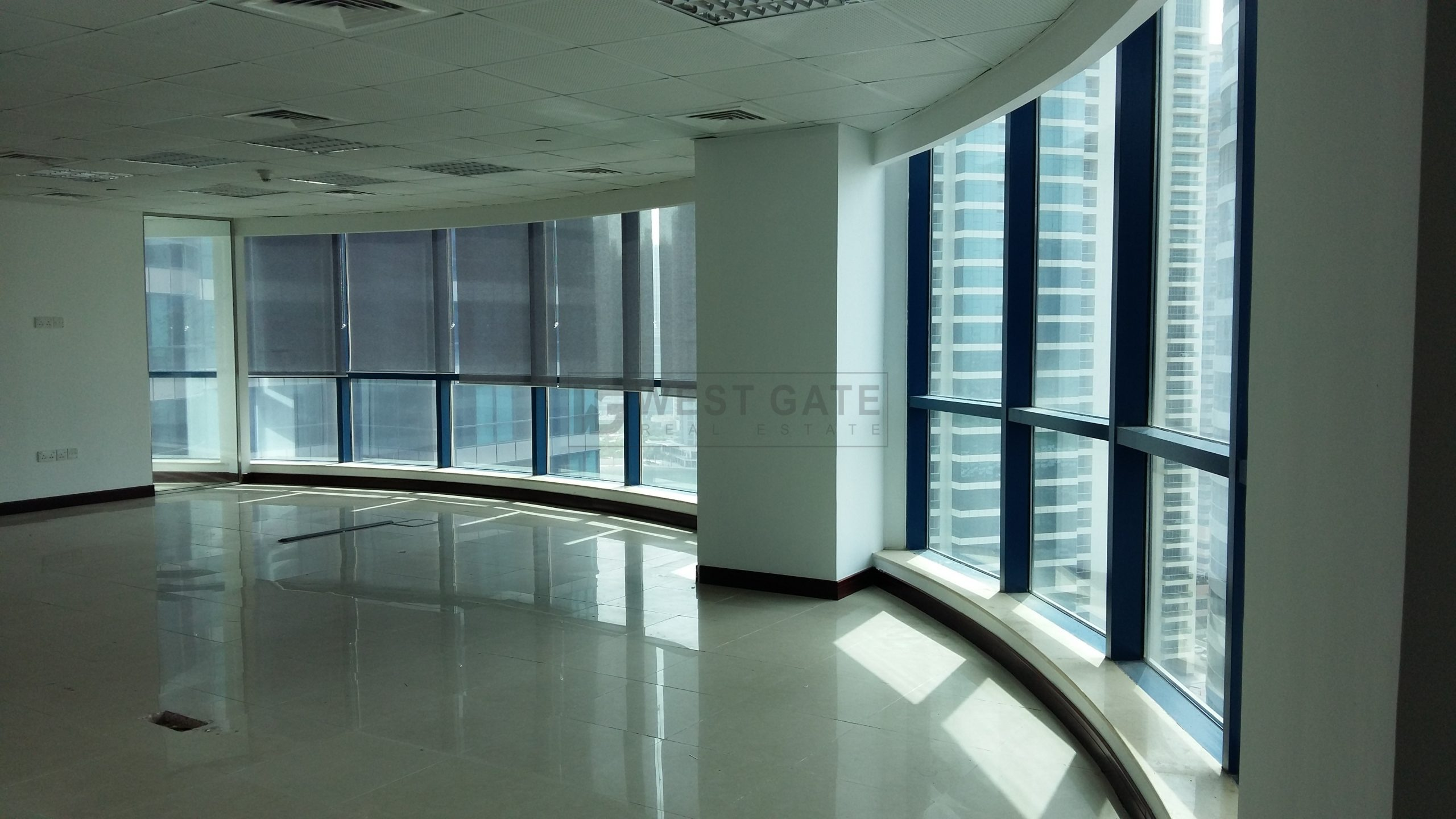 Office space in Jumeirah Bay Towers For Rent